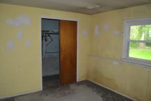 Before Interior Painting for Selling by Monk's