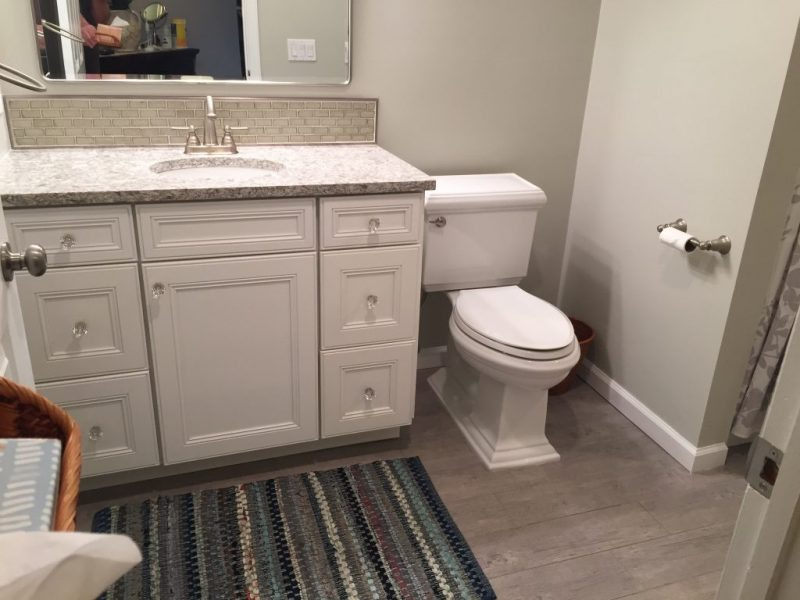 Eight Day Bathroom Makeover
