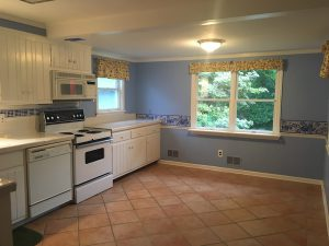 Country Kitchen Before Transformation