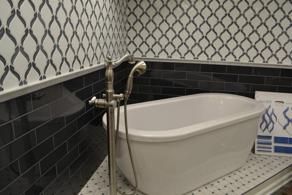 Tub in Tile Room in Morristown Showroom