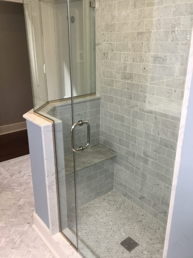 New Shower with Bench
